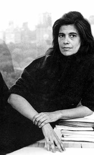 https://clubdecatadores.files.wordpress.com/2013/01/susan-sontag.jpg